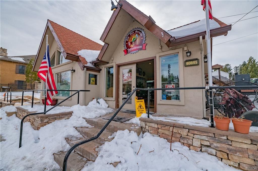 Photo of 40645 Village Drive, Big Bear Lake, CA 92315 (MLS # 32100116)