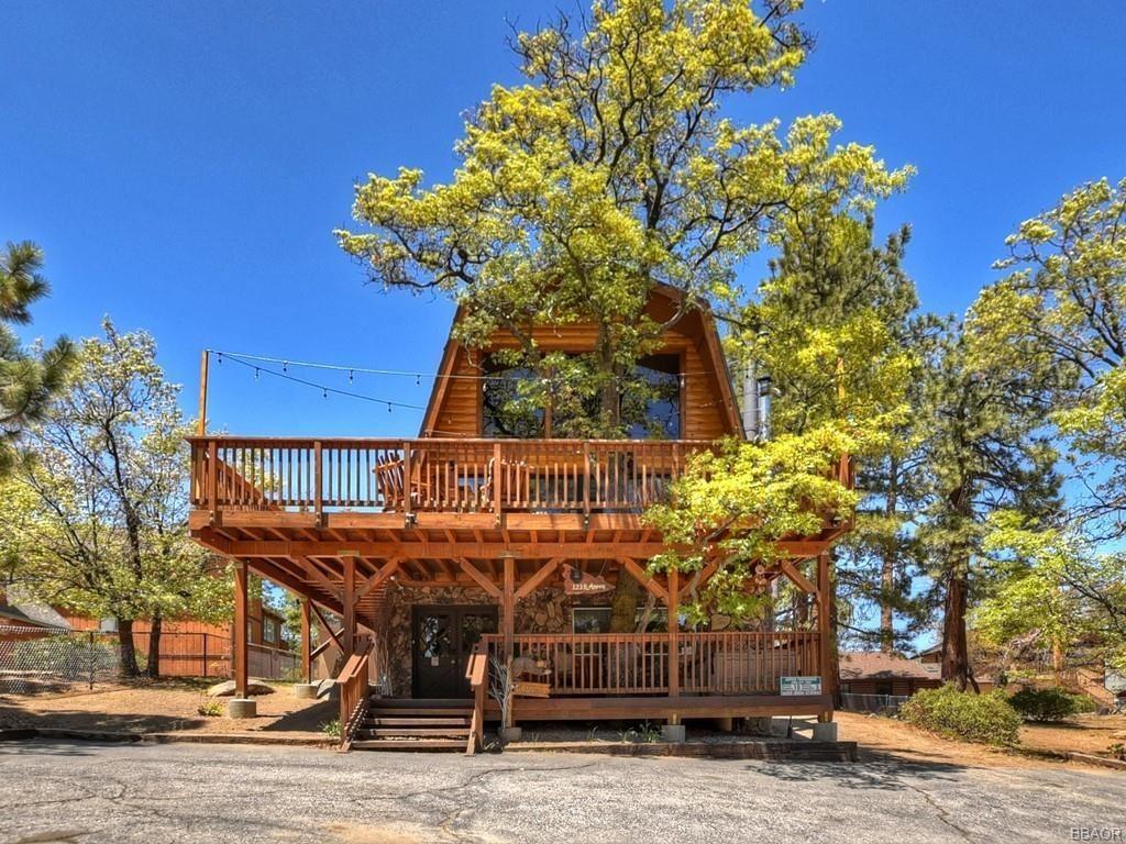 Photo of 1218 Aspen Drive, Big Bear Lake, CA 92315 (MLS # 32104117)