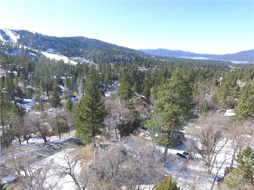 Photo of 43595 Ridgecrest Drive, Big Bear City, CA 92314 (MLS # 32000124)