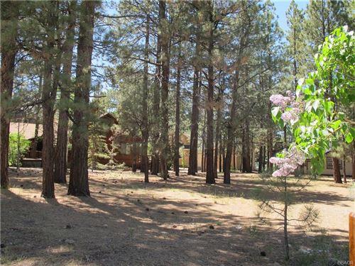 Photo of 41562 Stone Bridge Road, Big Bear Lake, CA 92315 (MLS # 31906141)