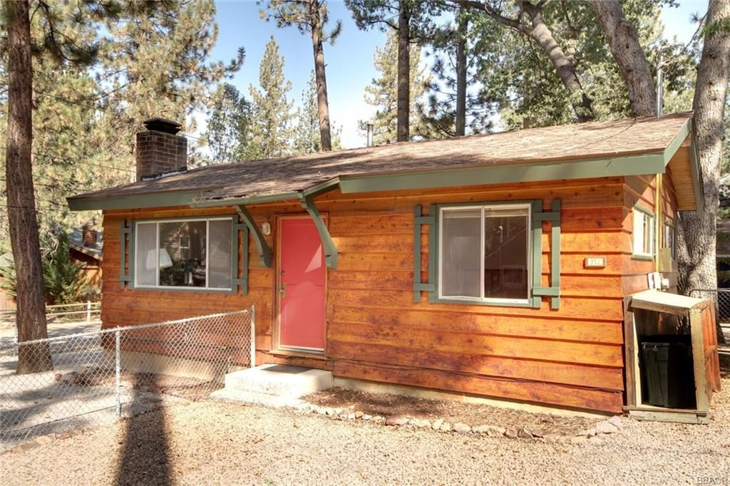 Photo of 853 Fir Street, Big Bear Lake, CA 92315 (MLS # 32004151)