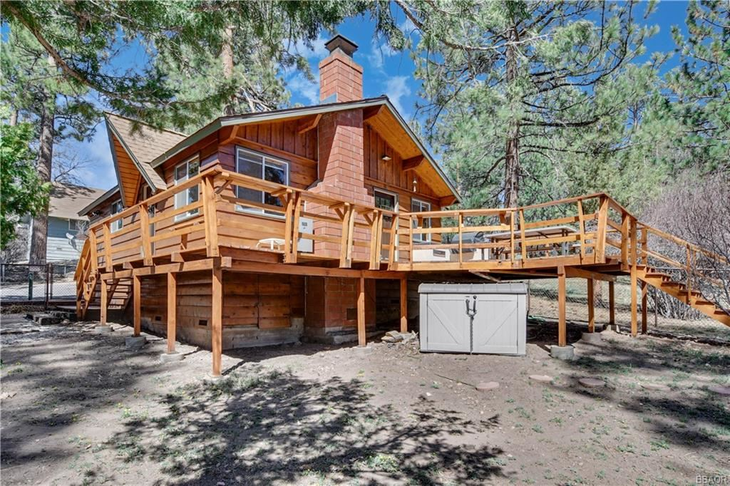 Photo of 40167 Dream Street, Big Bear Lake, CA 92315 (MLS # 32104159)