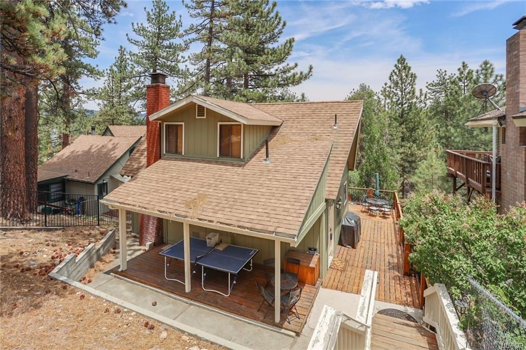 Photo of 720 Cove Drive, Big Bear Lake, CA 92315 (MLS # 32104172)