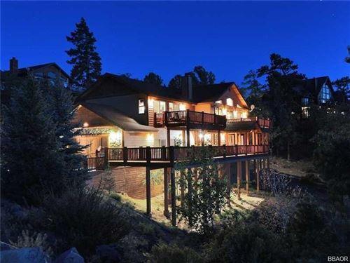 Photo of 383 Springhill Place, Big Bear Lake, CA 92315 (MLS # 32002175)