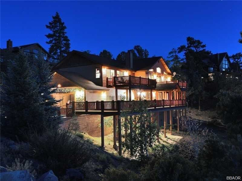 Photo of 383 Springhill Place, Big Bear Lake, CA 92315 (MLS # 32002175)