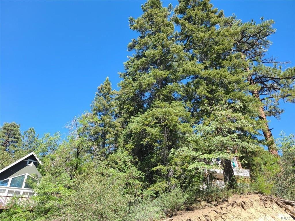 Photo of 43156 Sunset Drive, Big Bear Lake, CA 92315 (MLS # 32100175)