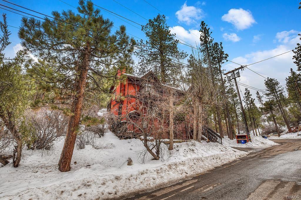 Photo of 432 Gold Mountain Drive, Big Bear City, CA 92314 (MLS # 32108178)