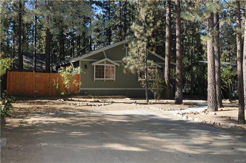 Photo of 39011 Robin Road, Big Bear Lake, CA 92315 (MLS # 32005181)