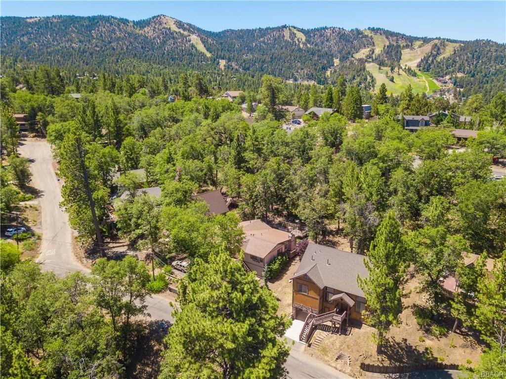 Photo of 1285 Minton Drive, Big Bear City, CA 92314 (MLS # 32002183)