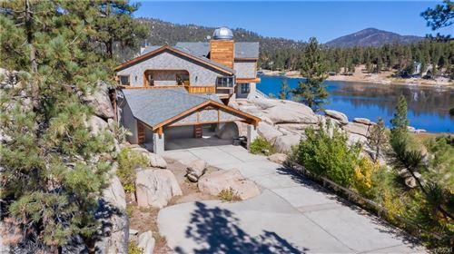 Photo of 806 Boulder Road, Big Bear Lake, CA 92315 (MLS # 32108185)