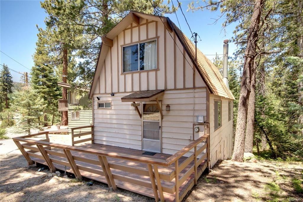 Photo of 38634 Talbot Drive, Big Bear Lake, CA 92315 (MLS # 32002187)