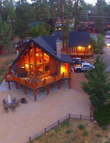 Photo of 40307 Gibralter Landing, Big Bear Lake, CA 92315 (MLS # 32002188)