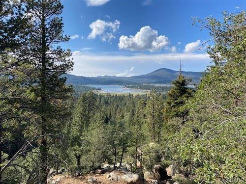 Photo of 44 Metcalf Creek Trail, Big Bear Lake, CA 92315 (MLS # 32108195)