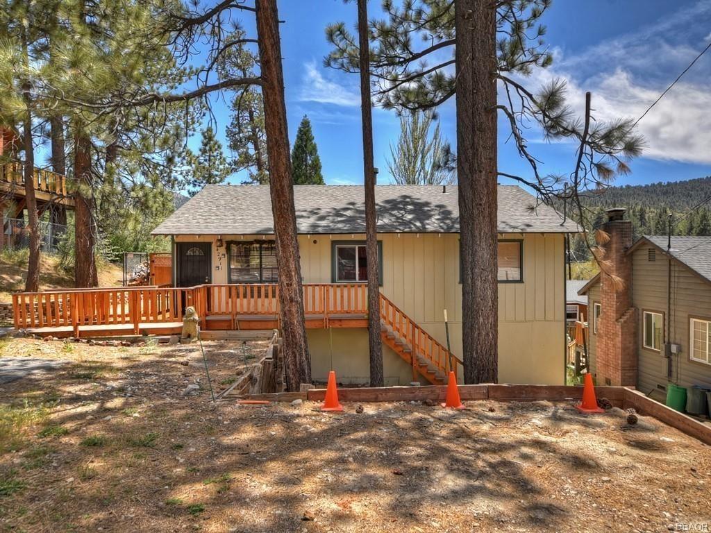 Photo of 42911 Encino Road, Big Bear Lake, CA 92315 (MLS # 32104198)