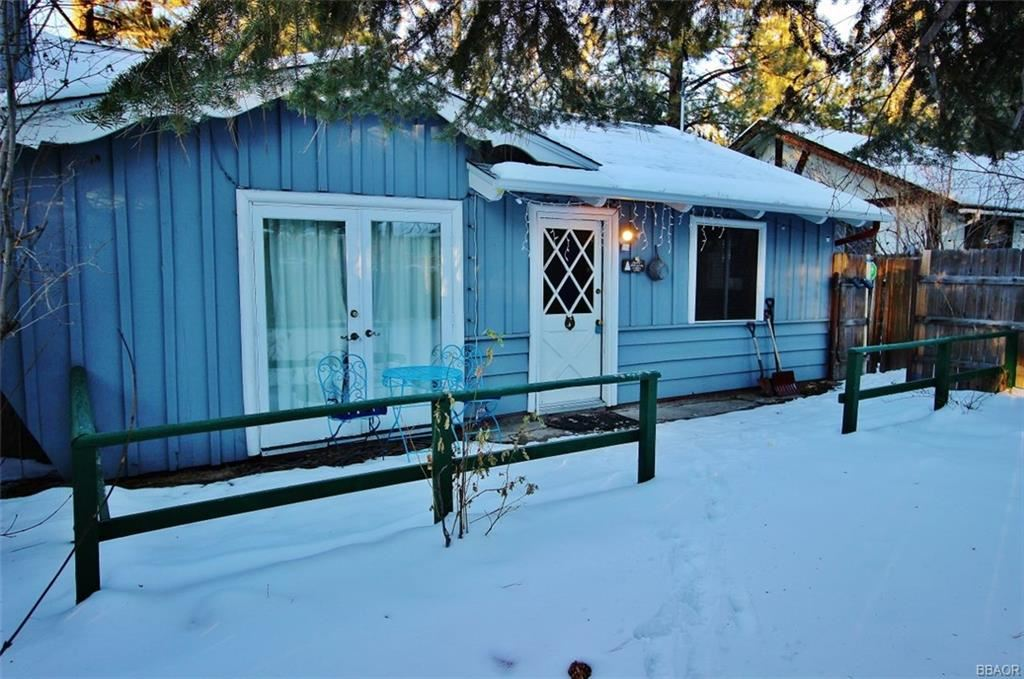 Photo of 629 E Meadow Lane, Big Bear City, CA 92314 (MLS # 32000201)