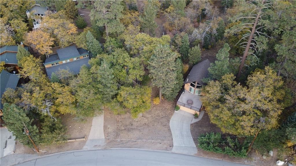 Photo of 1483 Lassen Drive, Big Bear Lake, CA 92315 (MLS # 32005202)