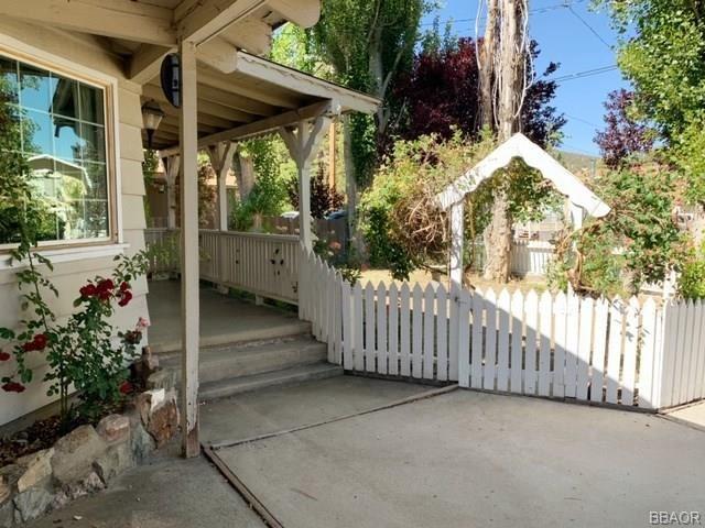 Photo of 1013 Sierra Avenue, Big Bear City, CA 92314 (MLS # 32002207)
