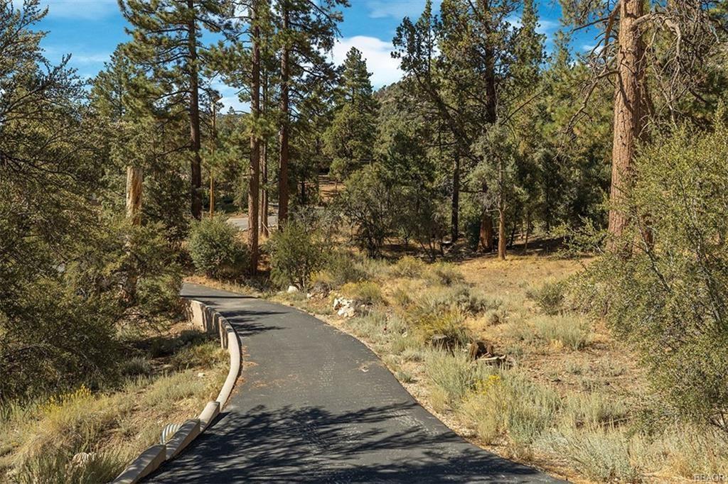 Photo of 1140 Eagle Mountain Drive, Big Bear City, CA 92314 (MLS # 32005207)