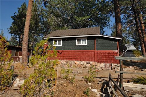 Photo of 723 Temple Lane, Big Bear Lake, CA 92315 (MLS # 32108214)