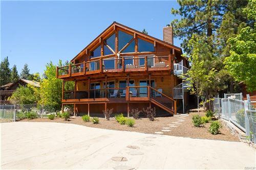 Photo of 40178 Lakeview Drive, Big Bear Lake, CA 92315 (MLS # 3186217)