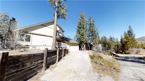 Photo of 409 Meadowbrook Lane, Big Bear City, CA 92314 (MLS # 32000218)