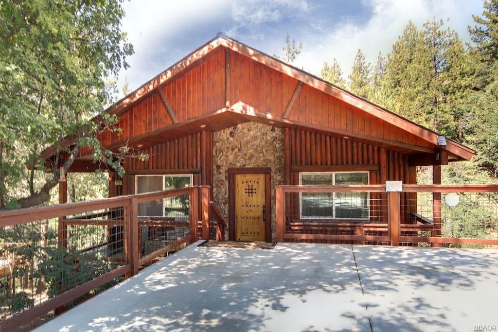 Photo of 1206 Minton Avenue, Big Bear City, CA 92314 (MLS # 32002224)