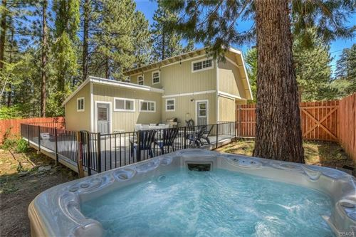 Photo of 620 Eureka Drive, Big Bear Lake, CA 92315 (MLS # 32002234)