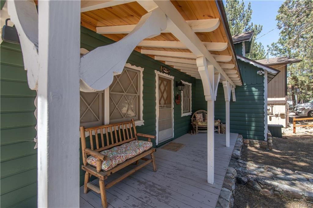 Photo of 221 Dutch Way, Big Bear City, CA 92314 (MLS # 32002236)
