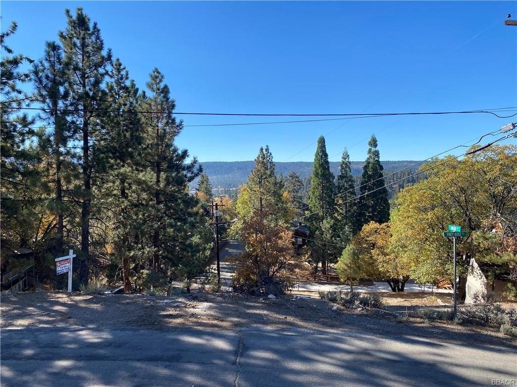 Photo of 0 Piney Ridge, Fawnskin, CA 92333 (MLS # 32005240)