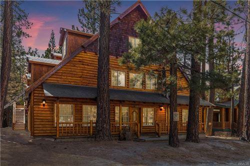 Photo of 630 Summit Boulevard, Big Bear Lake, CA 92315 (MLS # 32104245)