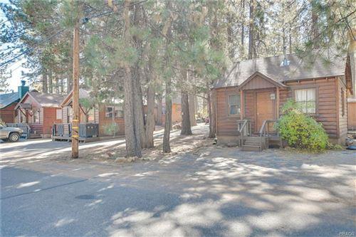 Photo of 42837 Willow Avenue, Big Bear Lake, CA 92315 (MLS # 32005247)