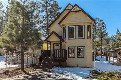 Photo of 562 Lakewood Lane, Big Bear Lake, CA 92315 (MLS # 32000248)