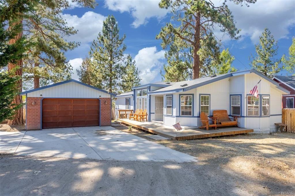 Photo of 1301 E Country Club Boulevard, Big Bear City, CA 92314 (MLS # 32002253)