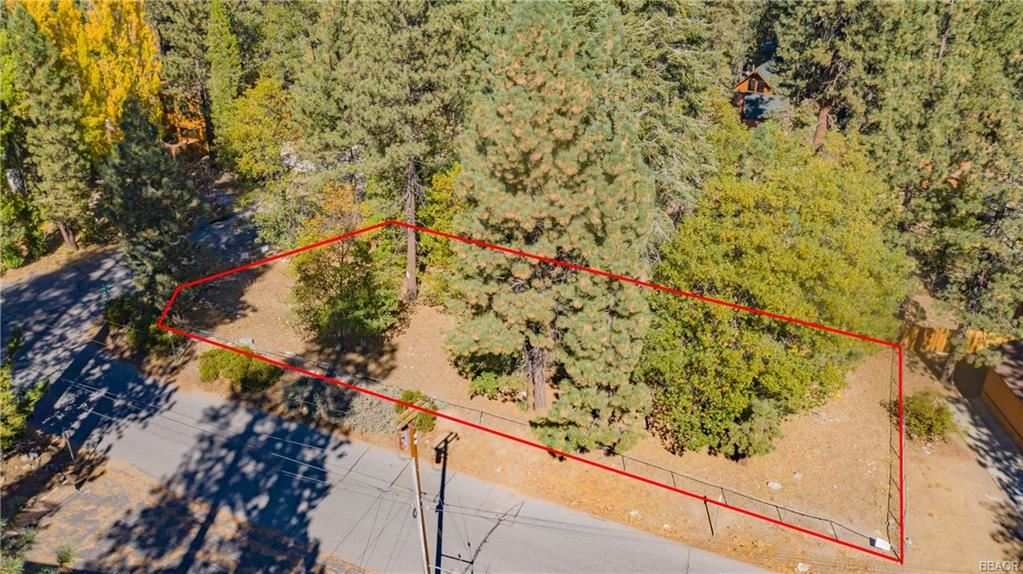 Photo of 0 Golden West Drive, Big Bear Lake, CA 92315 (MLS # 32005257)