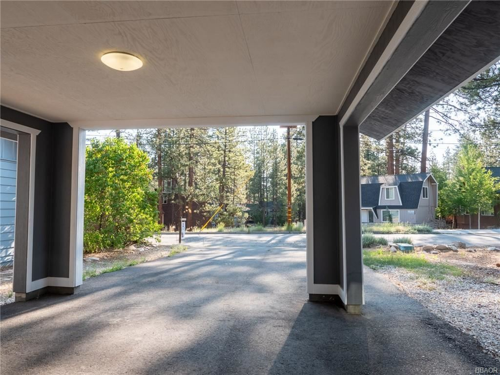 Photo of 169 Teakwood Drive, Big Bear Lake, CA 92315 (MLS # 32104259)