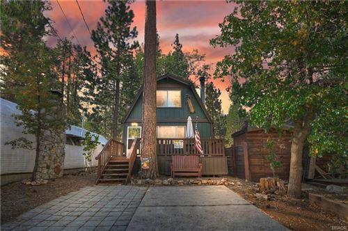Photo of 42569 Willow Avenue, Big Bear Lake, CA 92315 (MLS # 32108268)