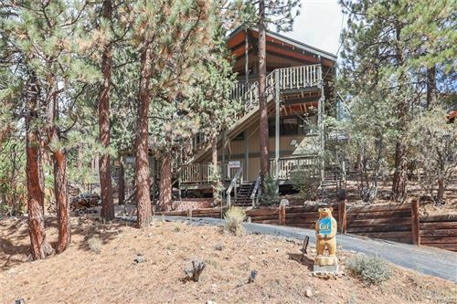 Photo of 43766 Yosemite Drive, Big Bear Lake, CA 92315 (MLS # 32108274)