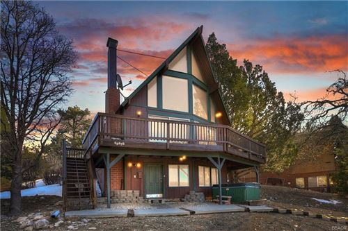 Photo of 43475 Sheephorn Road, Big Bear Lake, CA 92315 (MLS # 32100275)