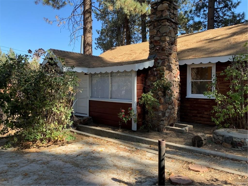 Photo of 743 Pine Knot Boulevard, Big Bear Lake, CA 92315 (MLS # 32005289)