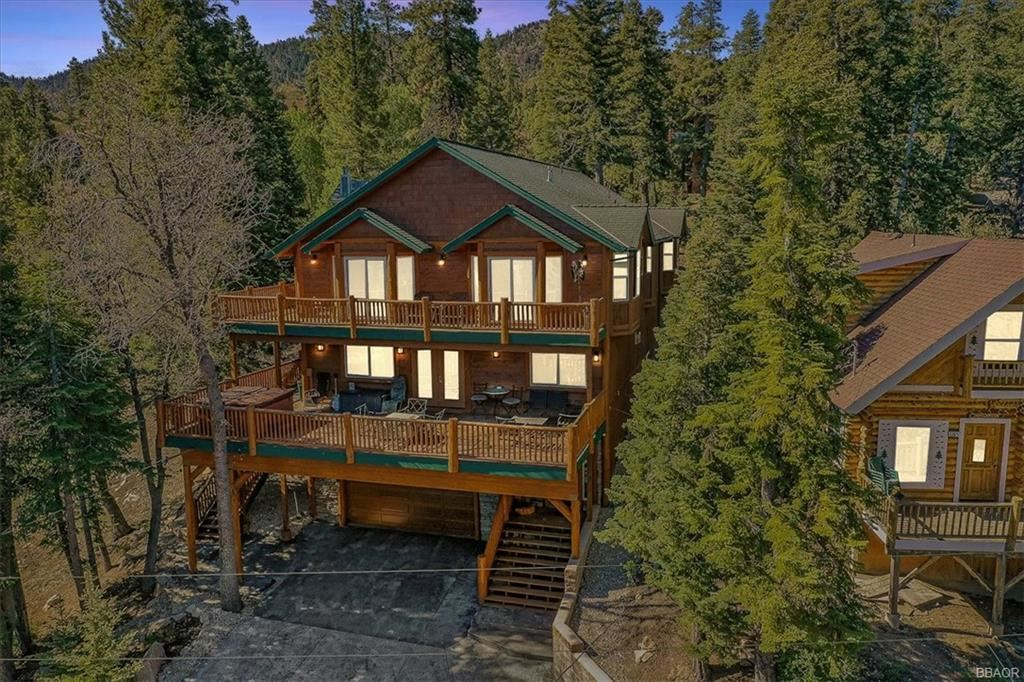 Photo of 43439 Shasta Road, Big Bear Lake, CA 92315 (MLS # 32105305)