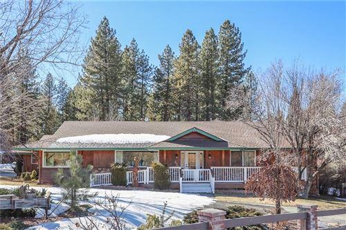 Photo of 870 Club View Drive, Big Bear Lake, CA 92315 (MLS # 32100306)