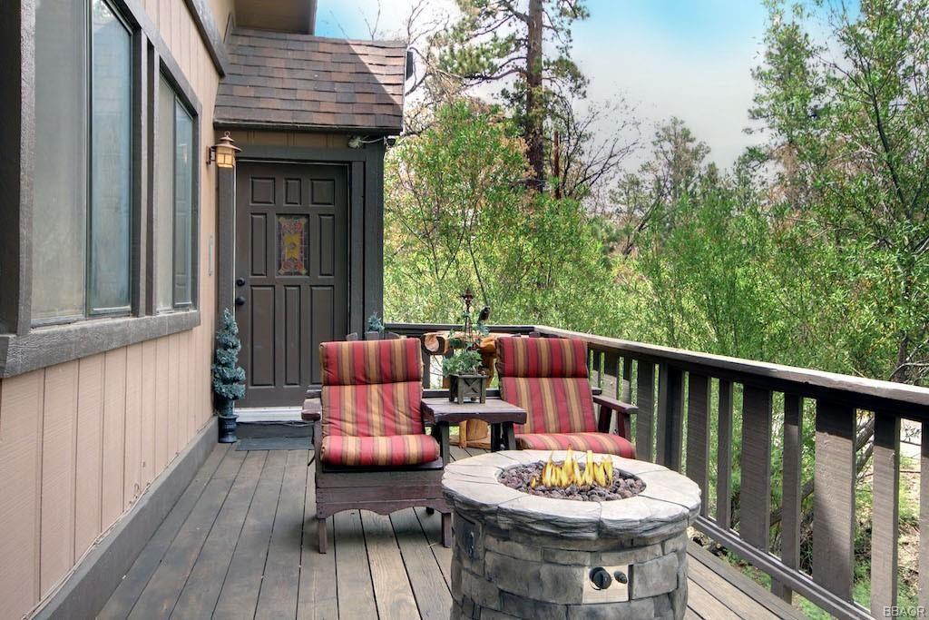 Photo of 1041 Jasper Drive, Big Bear City, CA 92314 (MLS # 32105327)