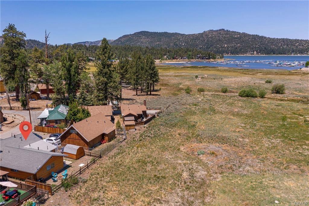 Photo of 649 Metcalf Lane, Big Bear Lake, CA 92315 (MLS # 32105358)