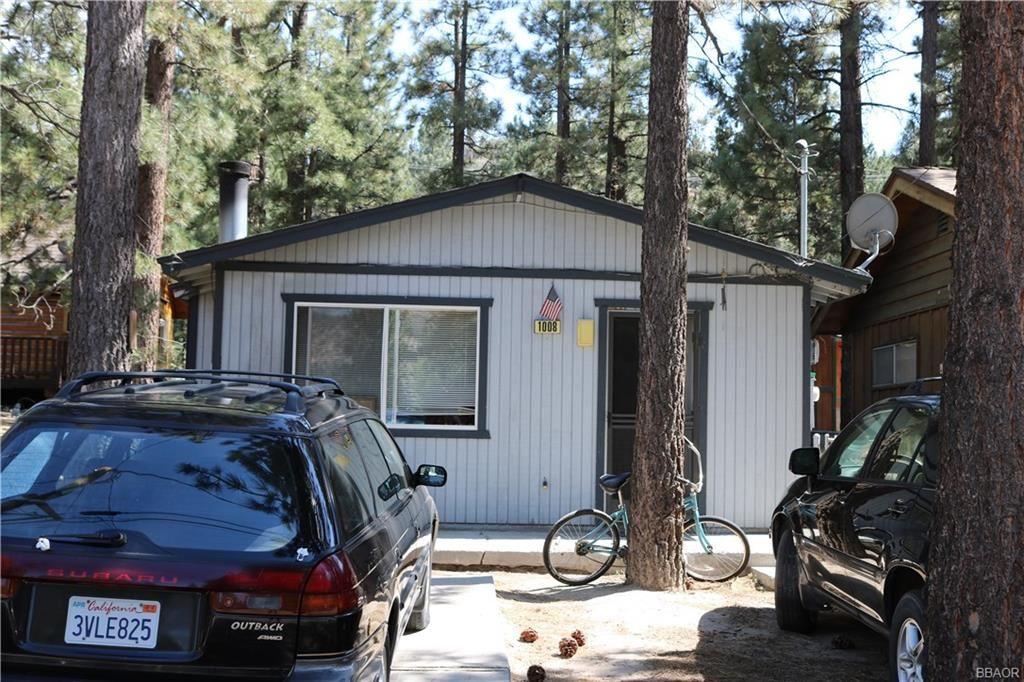 Photo of 1008 E Country Club Boulevard, Big Bear City, CA 92314 (MLS # 32002360)