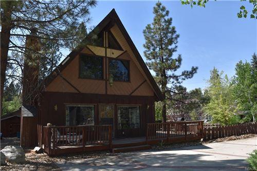 Photo of 41665 Tanager Drive, Big Bear Lake, CA 92315 (MLS # 32105365)
