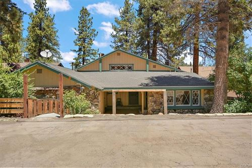 Photo of 1097 Club View Drive, Big Bear Lake, CA 92315 (MLS # 32105372)