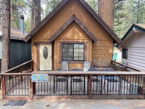 Photo of 42536 Cedar Avenue, Big Bear Lake, CA 92315 (MLS # 32006378)