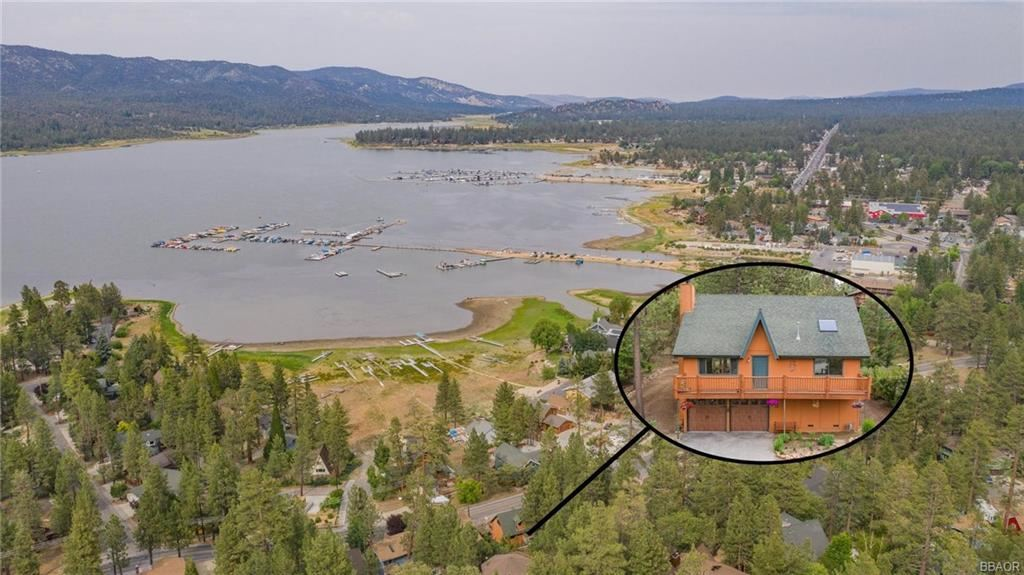 Photo of 40297 Lakeview Drive, Big Bear Lake, CA 92315 (MLS # 32105392)