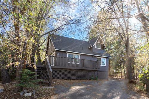 Photo of 898 Knight Avenue, Big Bear Lake, CA 92315 (MLS # 32105393)