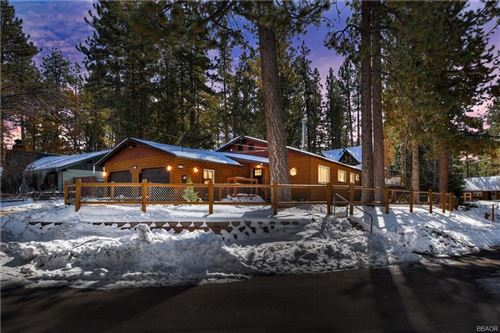 Photo of 43136 Sheephorn Road, Big Bear Lake, CA 92315 (MLS # 32006397)